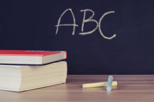 Hãy Cho Trẻ Học Sách Toán Song Ngữ Anh - Việt Để Trẻ Thông Minh Hơn