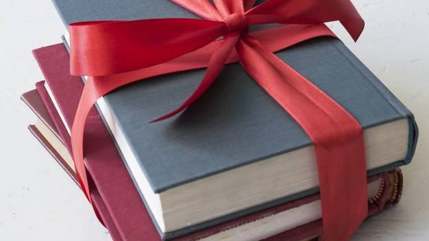 Những Cuốn Sách Hay Làm Quà Tặng Dịp Tết 2019  Cho Ngày Xuân Trọn Vẹn