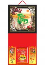 Bìa Treo Lịch 2019 Metalize Ép Kim Cao Cấp 7 Màu (35 x 70 cm) - Mẫu Khung Đen - Dán Nổi Chữ Tâm Cẩm Thạch - KV 91
